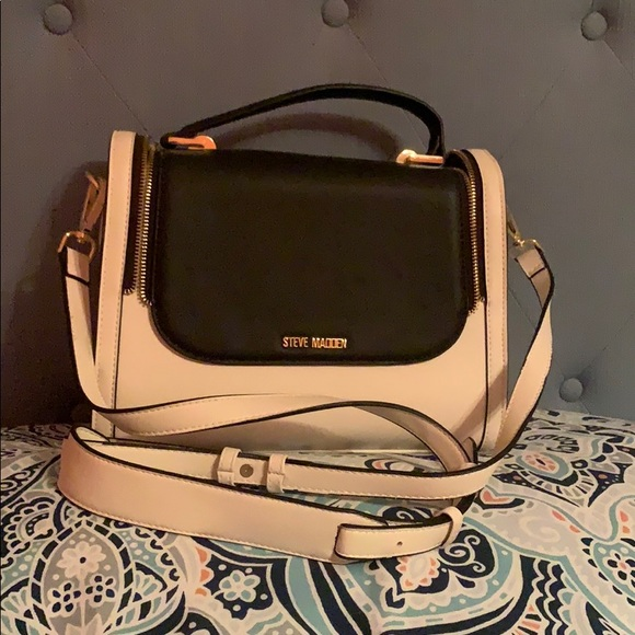 Steve Madden Handbags - Steven madden purse w/ detachable straps